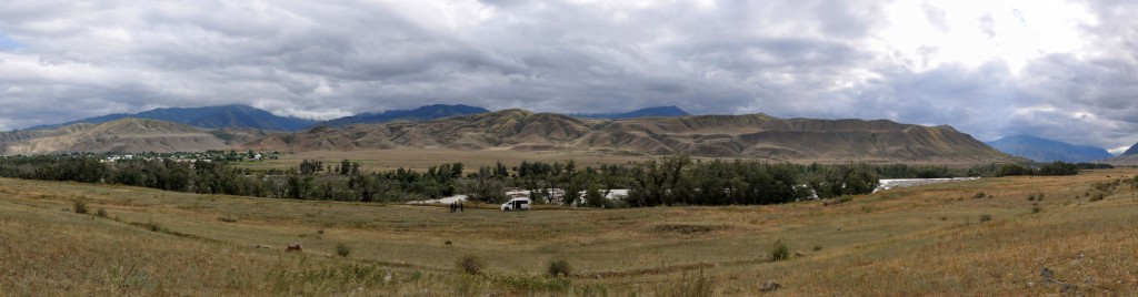 Saty and the Chilik River. Surface ruptures, most likely from the 1889 earthquake, were found right next to the town.